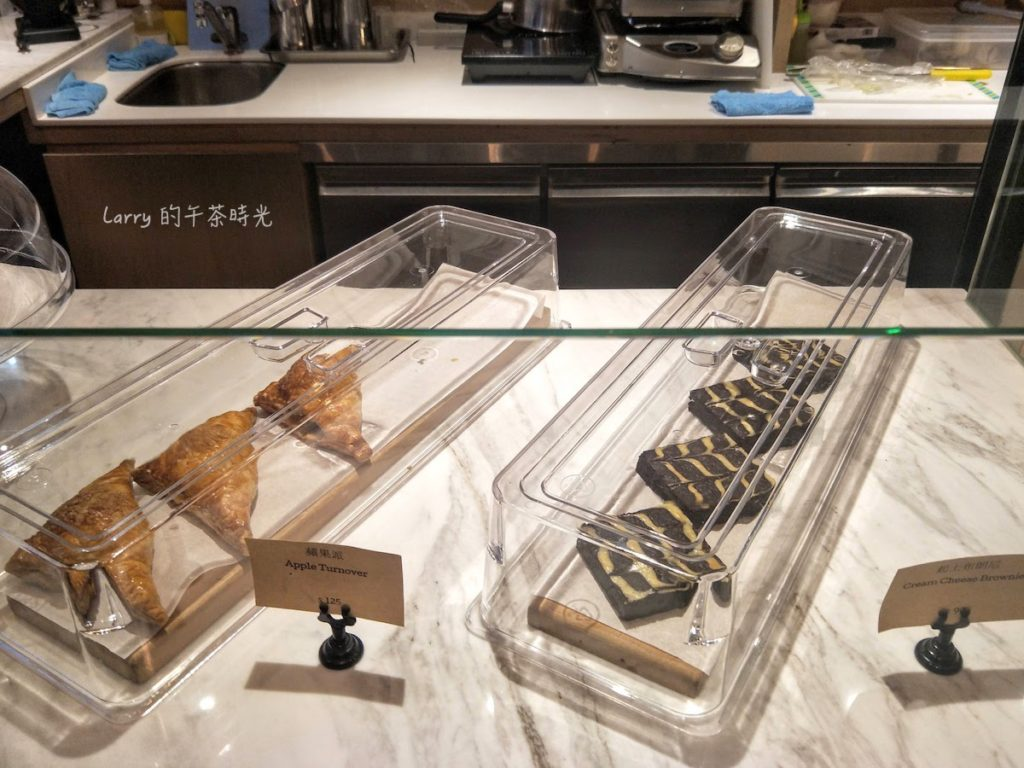 Heritage Bakery & Cafe 蘋果派 起士布朗尼