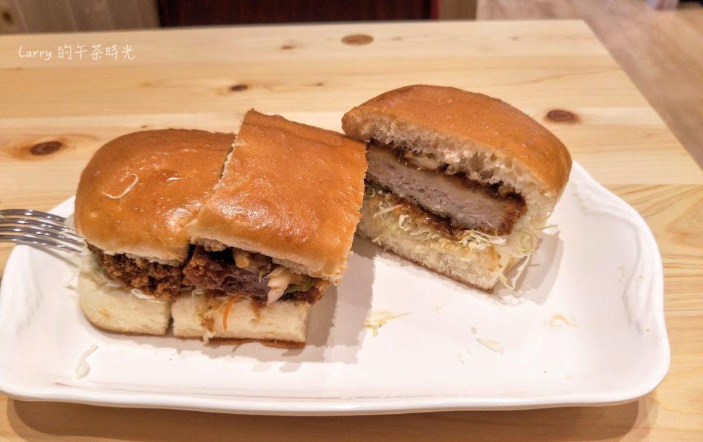 客美多咖啡 台北站前店 味噌豬排方堡