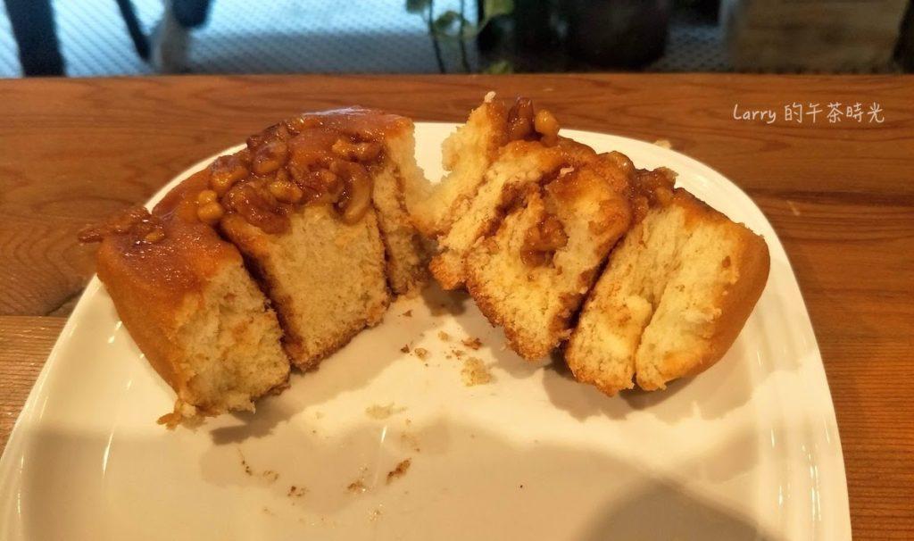 Miss V Bakery Cafe 赤峰店 焦糖黏黏包肉桂捲