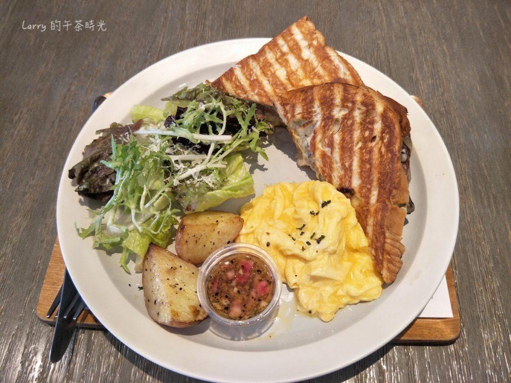 奎克咖啡 台北忠孝店 法式松露奶油雞熱壓丹麥起司早午餐